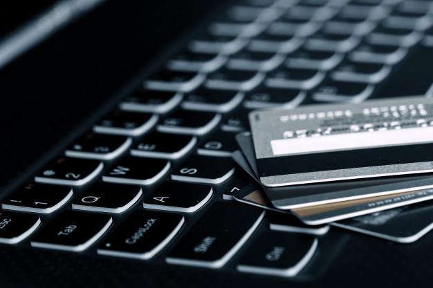 credit-cards_144627-16725